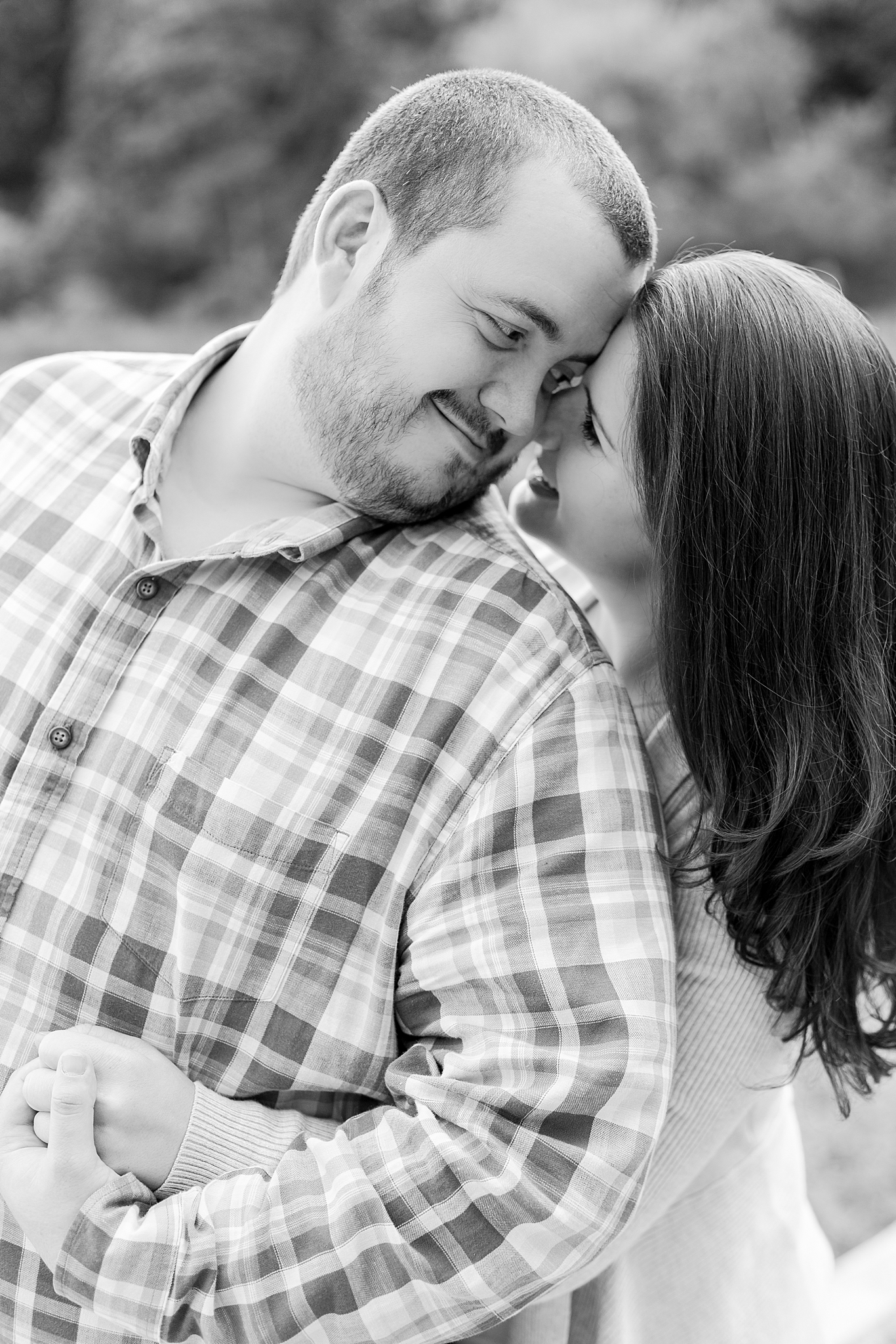 classic-vineyard-engagement-photography-in-lansing-mi-by-courtney-carolyn-photography_0017.jpg