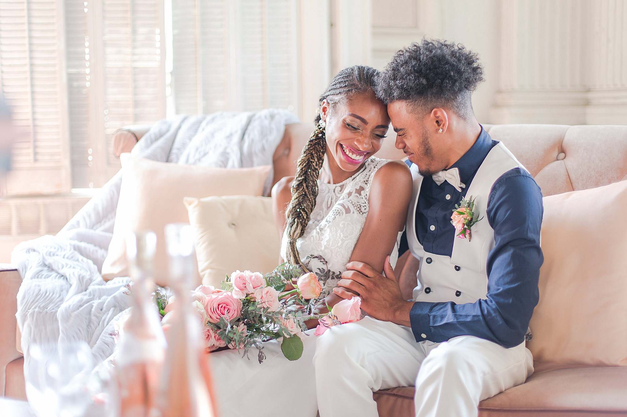 intimate-elopement-wedding-photography-at-belle-isle-boat-house-detroit-michigan-by-courtney-carolyn-photography_0029.jpg