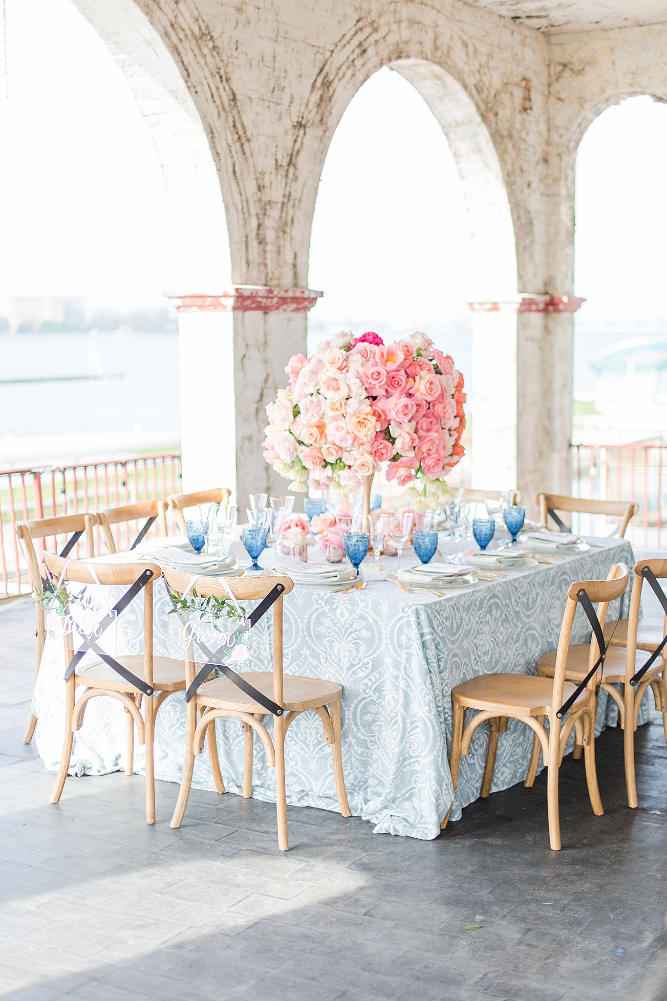 intimate-elopement-wedding-photography-at-belle-isle-boat-house-detroit-michigan-by-courtney-carolyn-photography_0037.jpg