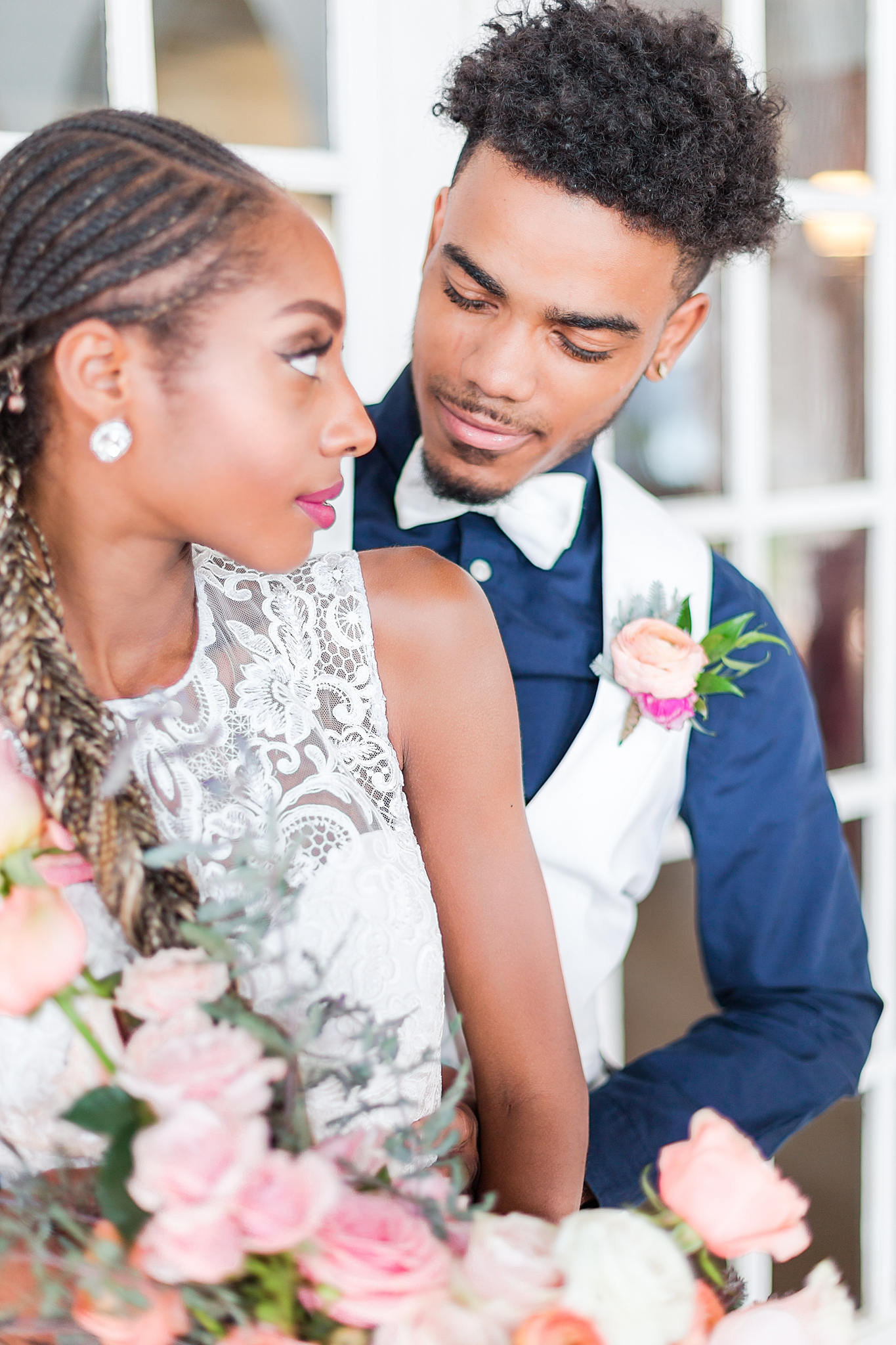 intimate-elopement-wedding-photography-at-belle-isle-boat-house-detroit-michigan-by-courtney-carolyn-photography_0051.jpg