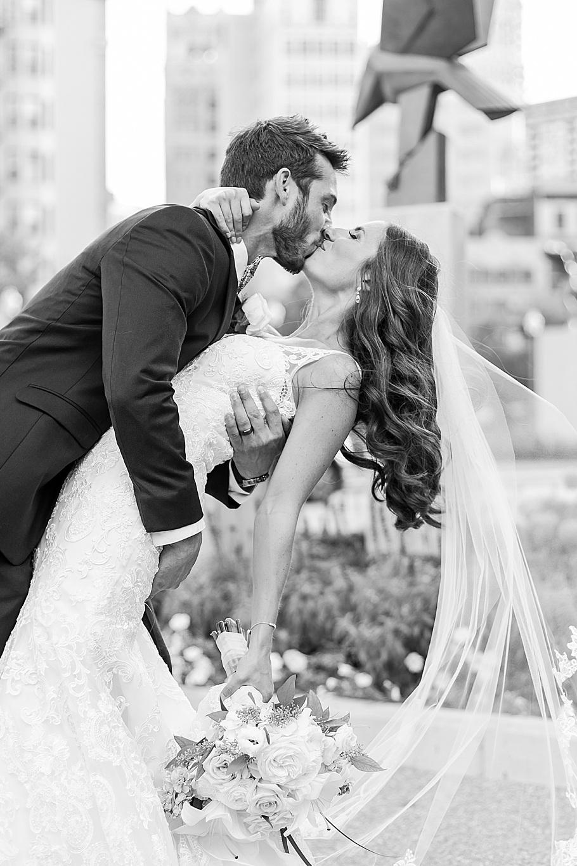 detroit-wedding-photographer-gem-theater-by-courtney-carolyn-photography_0001.jpg