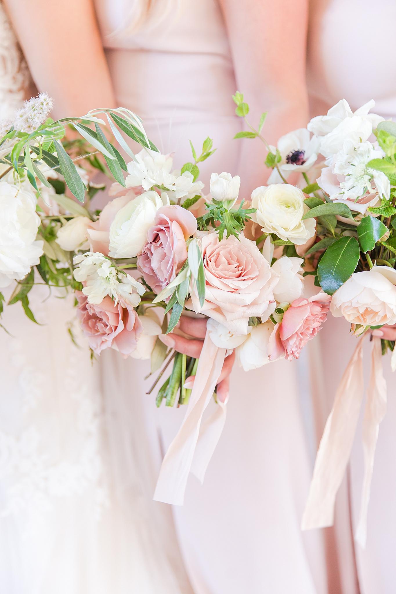 detroit-wedding-photographer-ann-arbor-chicago-by-courtney-carolyn-photography_0018.jpg