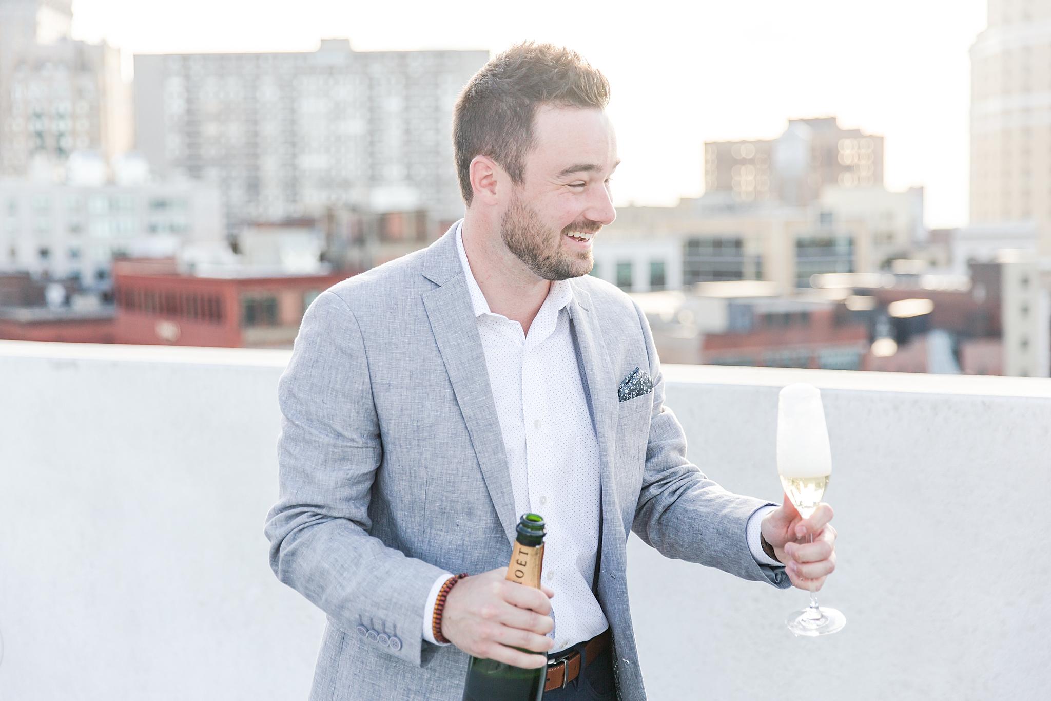 detroit-wedding-photographer-downtown-detroit-belle-isle-engagement-photos-sarah-eric-by-courtney-carolyn-photography_0015.jpg