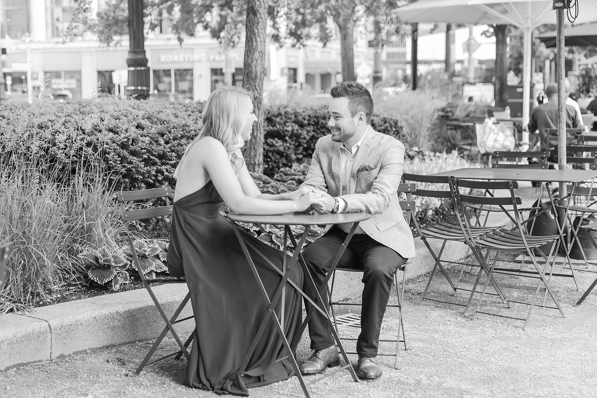 detroit-wedding-photographer-downtown-detroit-belle-isle-engagement-photos-sarah-eric-by-courtney-carolyn-photography_0020.jpg