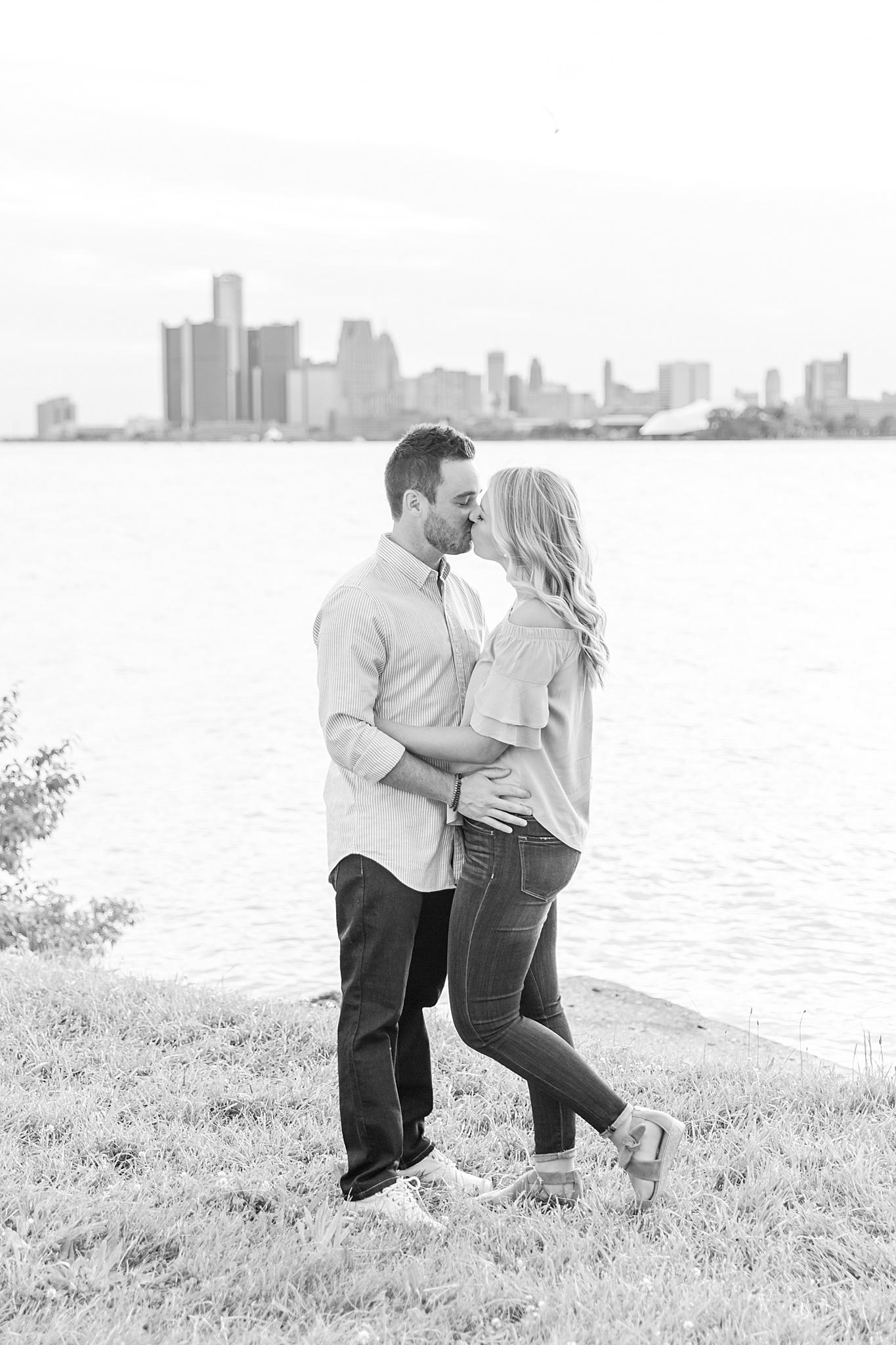 detroit-wedding-photographer-downtown-detroit-belle-isle-engagement-photos-sarah-eric-by-courtney-carolyn-photography_0039.jpg