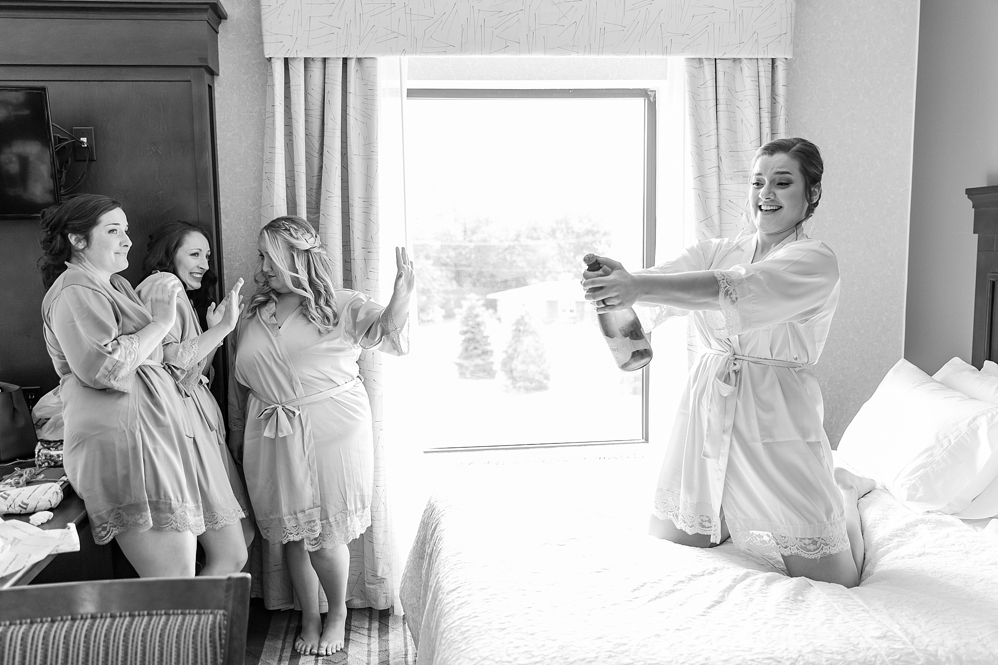 detroit-wedding-photographer-brownstown-event-center-wedding-photos-sam-josh-by-courtney-carolyn-photography_0003.jpg