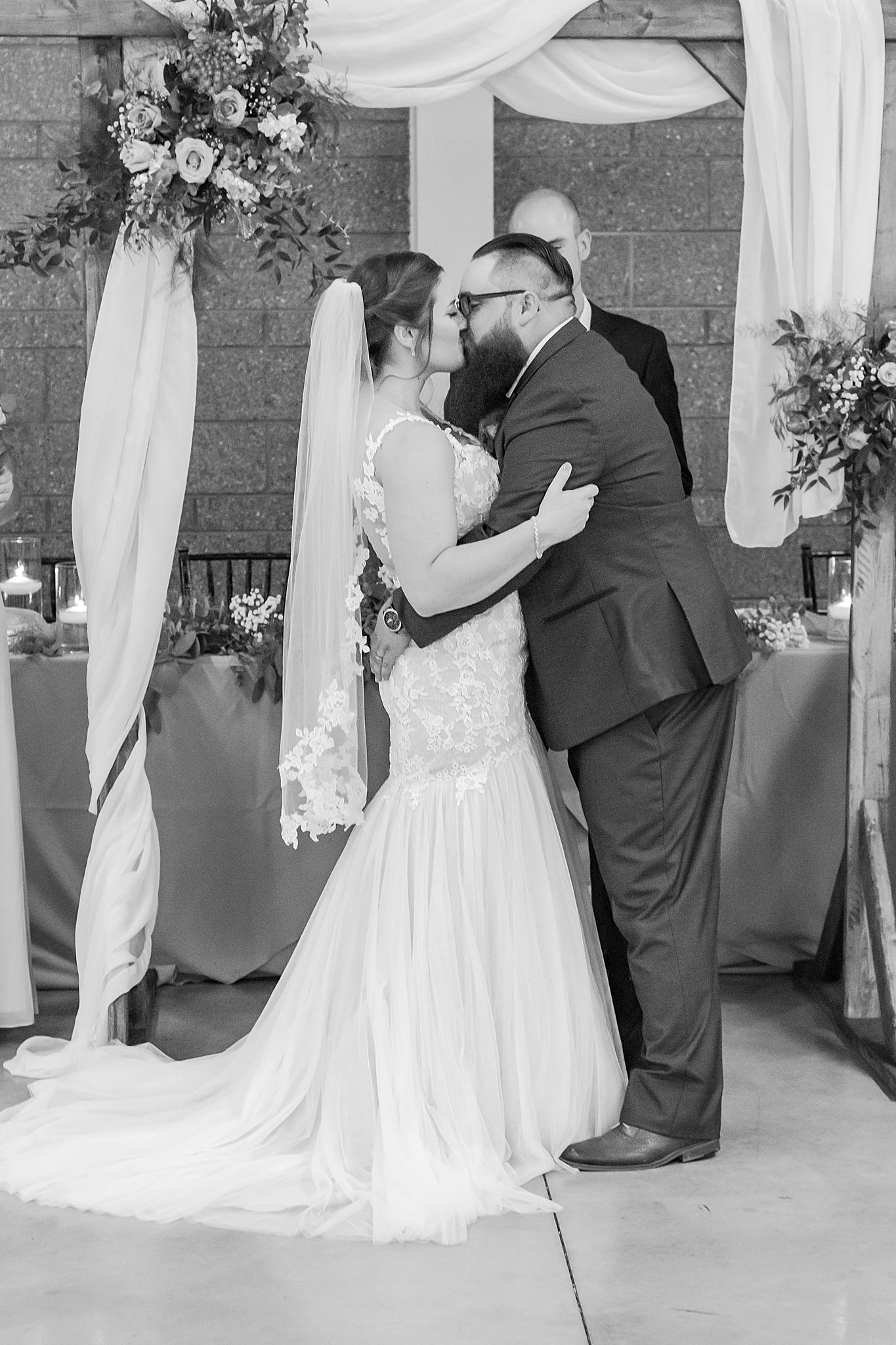 detroit-wedding-photographer-brownstown-event-center-wedding-photos-sam-josh-by-courtney-carolyn-photography_0040.jpg