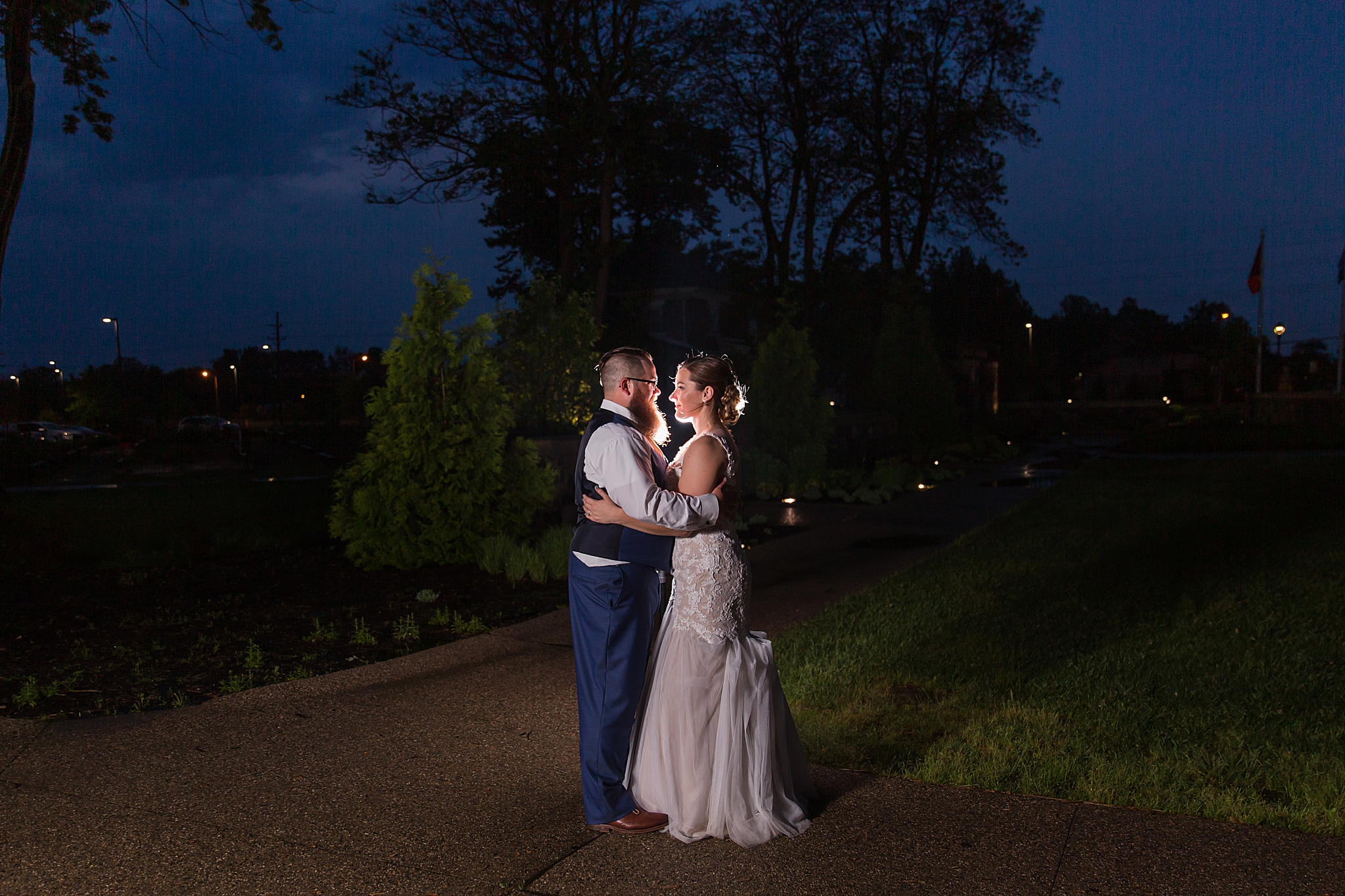 detroit-wedding-photographer-brownstown-event-center-wedding-photos-sam-josh-by-courtney-carolyn-photography_0092.jpg