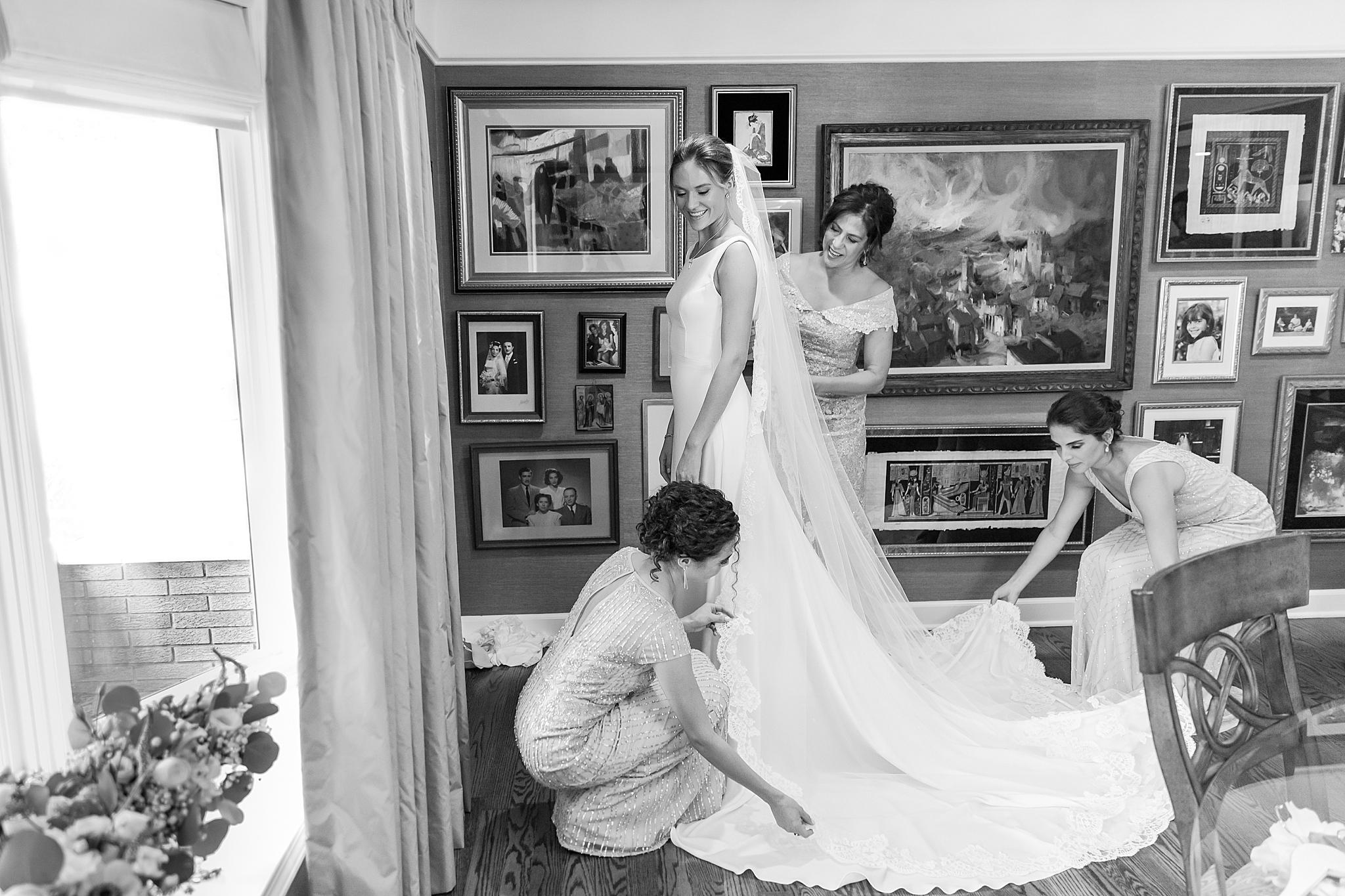 detroit-wedding-photographer-grosse-pointe-academy-chapel-detroit-golf-club-wedding-carly-matt-by-courtney-carolyn-photography_0010.jpg