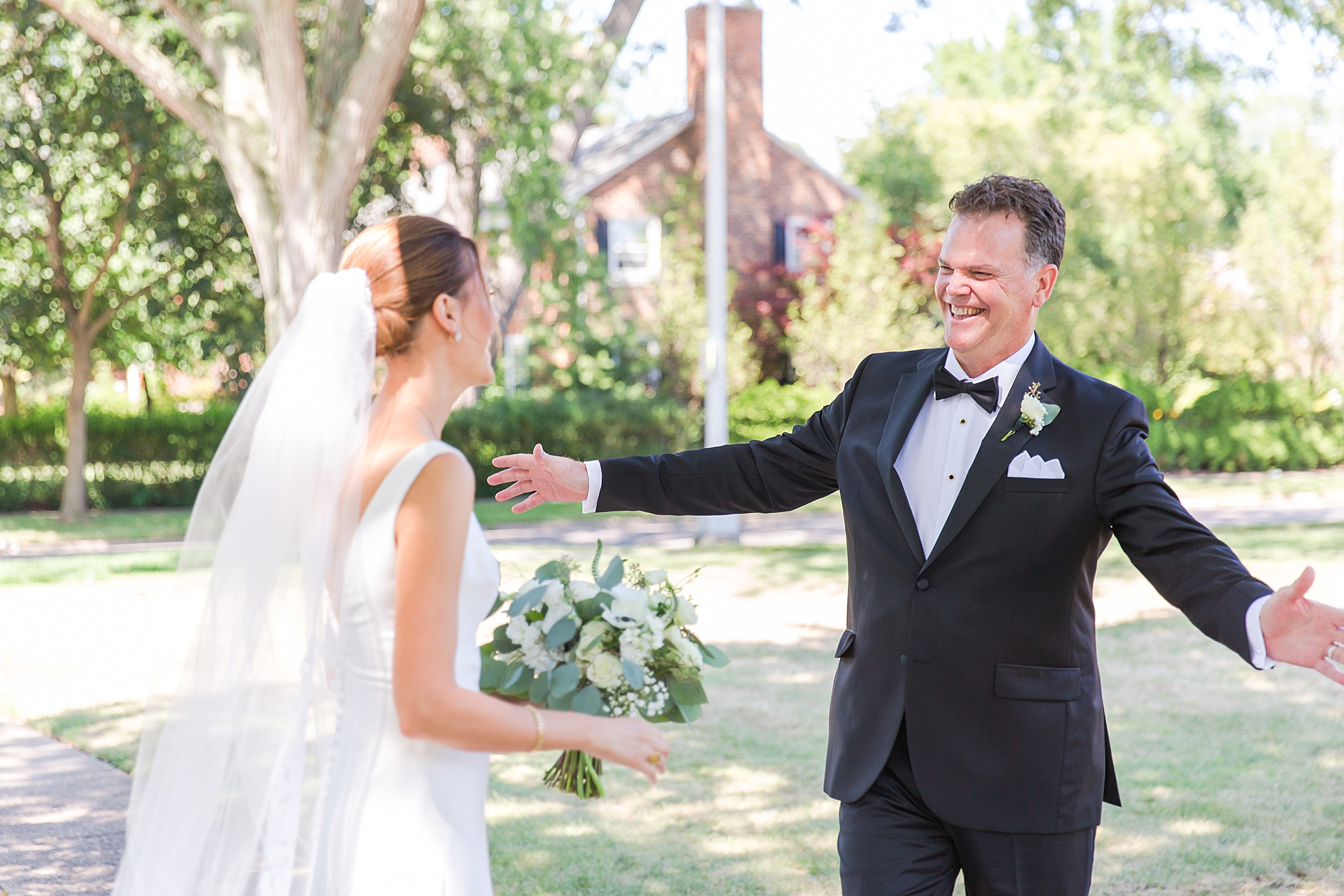 detroit-wedding-photographer-grosse-pointe-academy-chapel-detroit-golf-club-wedding-carly-matt-by-courtney-carolyn-photography_0022.jpg
