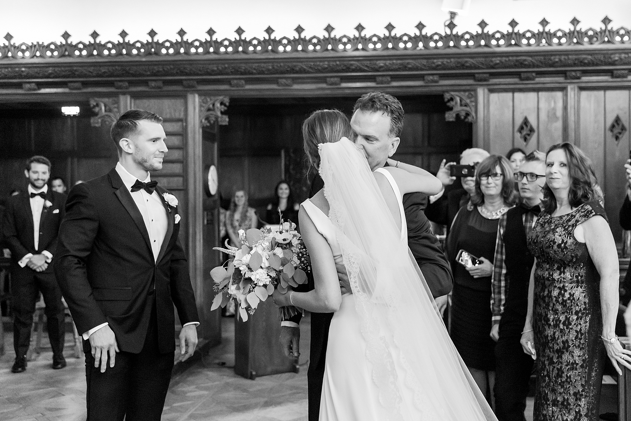 detroit-wedding-photographer-grosse-pointe-academy-chapel-detroit-golf-club-wedding-carly-matt-by-courtney-carolyn-photography_0037.jpg