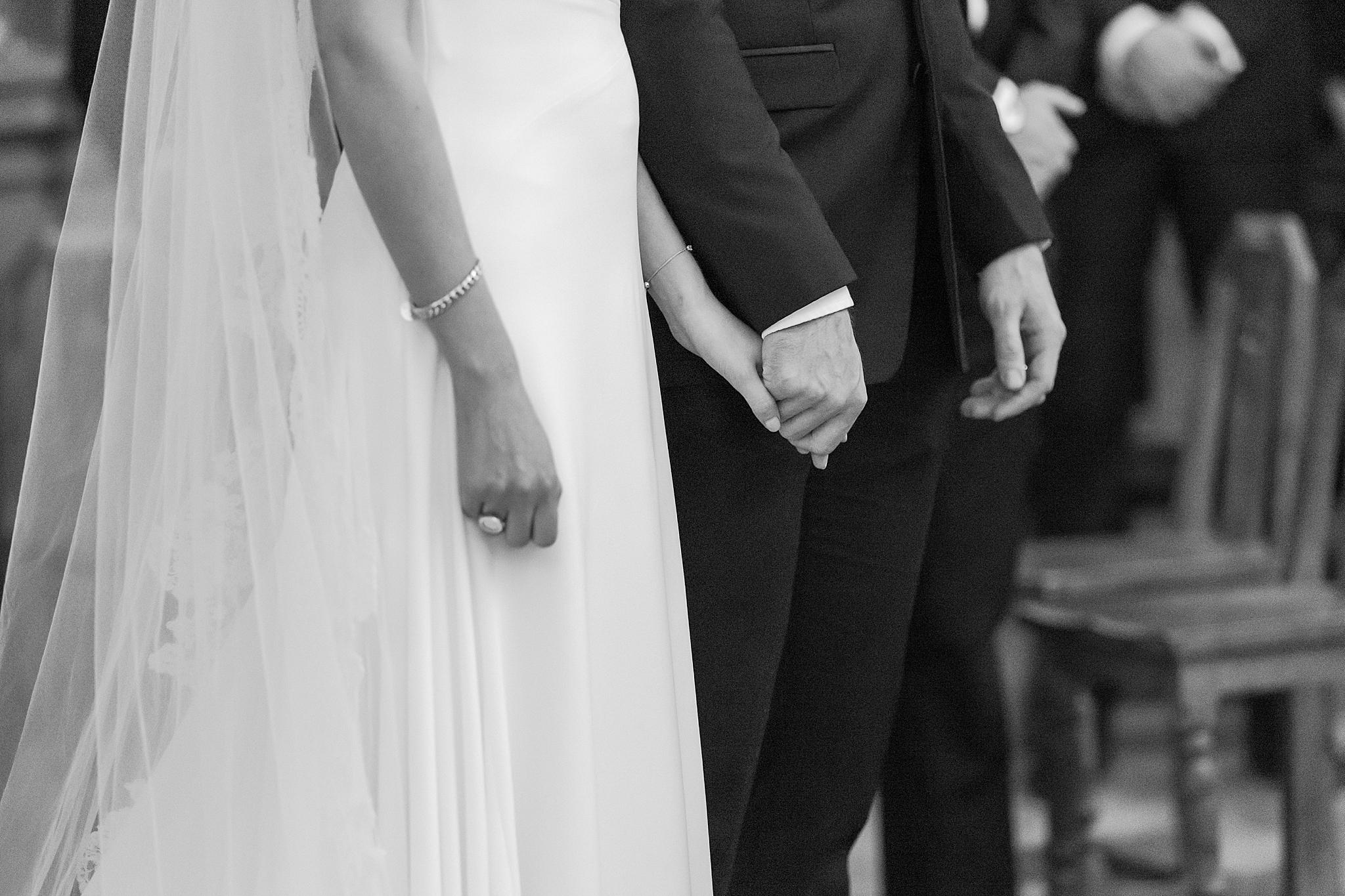 detroit-wedding-photographer-grosse-pointe-academy-chapel-detroit-golf-club-wedding-carly-matt-by-courtney-carolyn-photography_0039.jpg