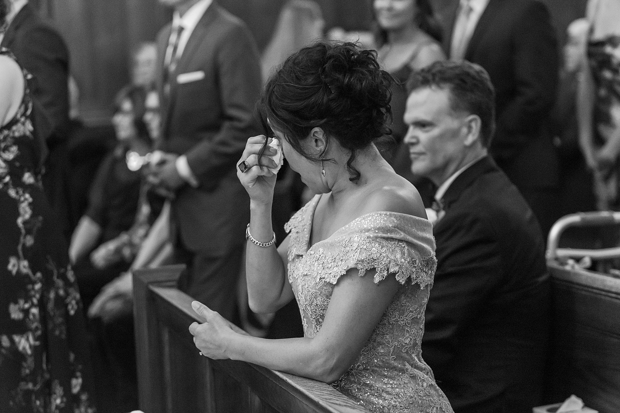 detroit-wedding-photographer-grosse-pointe-academy-chapel-detroit-golf-club-wedding-carly-matt-by-courtney-carolyn-photography_0050.jpg