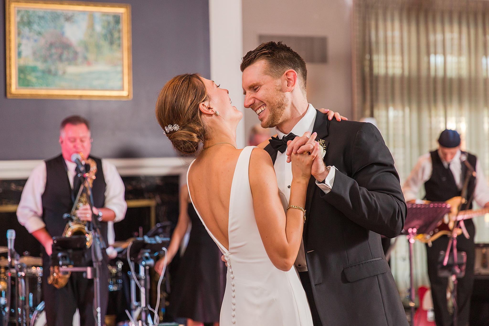 detroit-wedding-photographer-grosse-pointe-academy-chapel-detroit-golf-club-wedding-carly-matt-by-courtney-carolyn-photography_0089.jpg