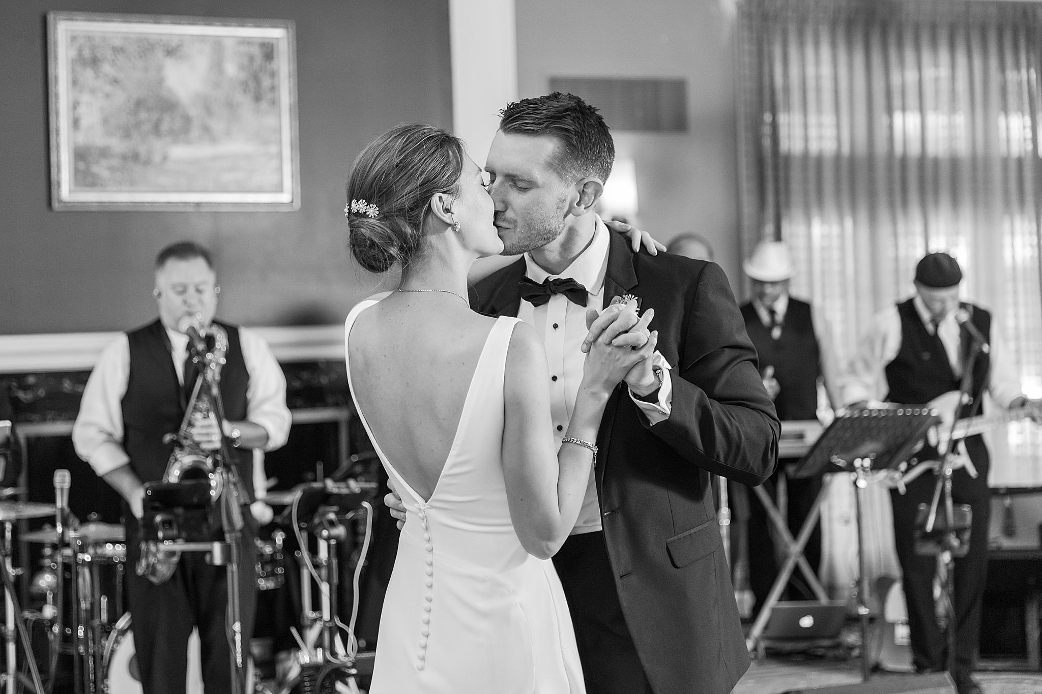 detroit-wedding-photographer-grosse-pointe-academy-chapel-detroit-golf-club-wedding-carly-matt-by-courtney-carolyn-photography_0091.jpg