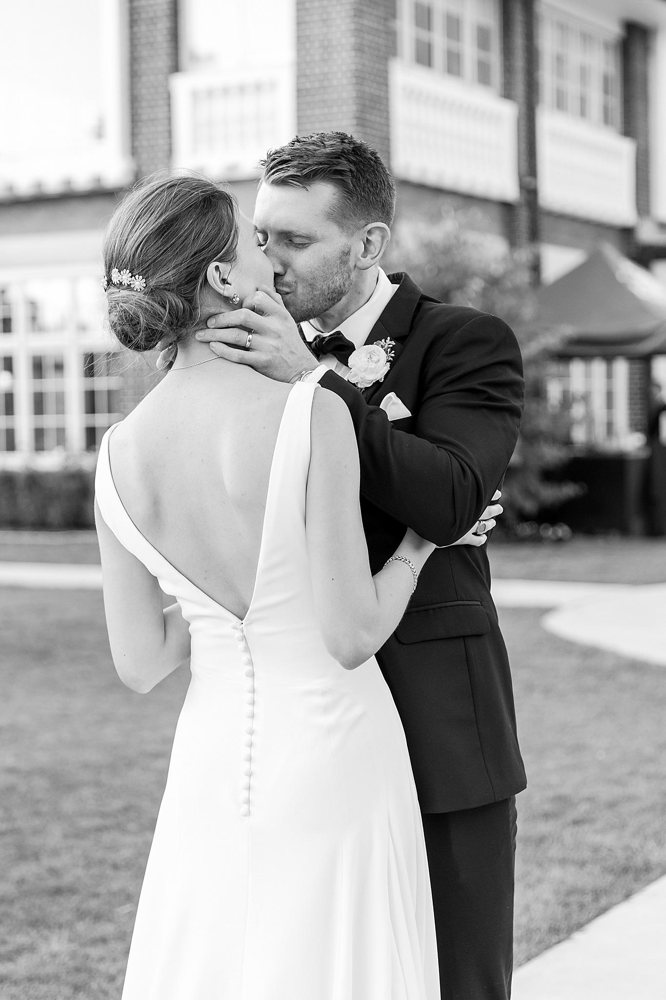 detroit-wedding-photographer-grosse-pointe-academy-chapel-detroit-golf-club-wedding-carly-matt-by-courtney-carolyn-photography_0120.jpg