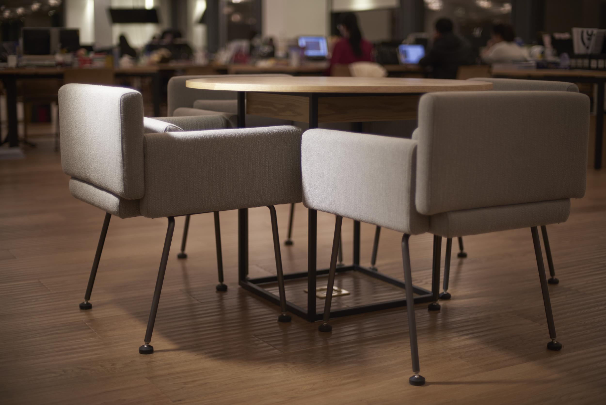 咖啡桌椅.jpeg
