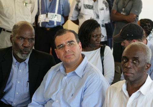 Dr. Juan José Daboub listens to community leaders and people affected by hurricanes in Les Cayes, Haiti.