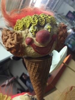 Clown cone.jpg
