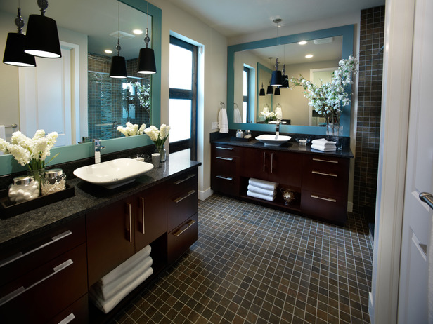 01-GH2011_Master-Bathroom-Wide-Shot_s4x3_lg.jpg