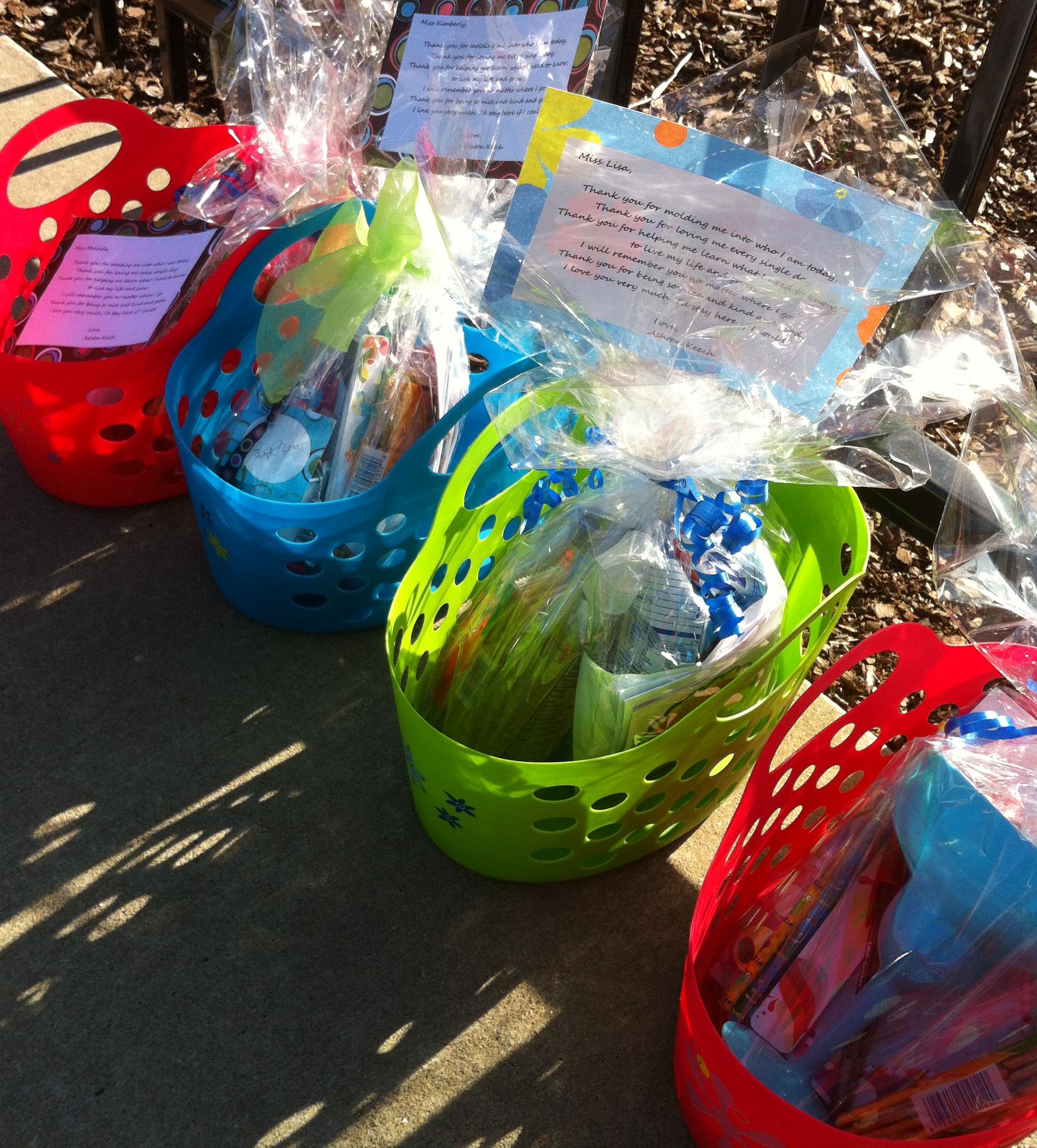 sarahs gift basket 2.JPG