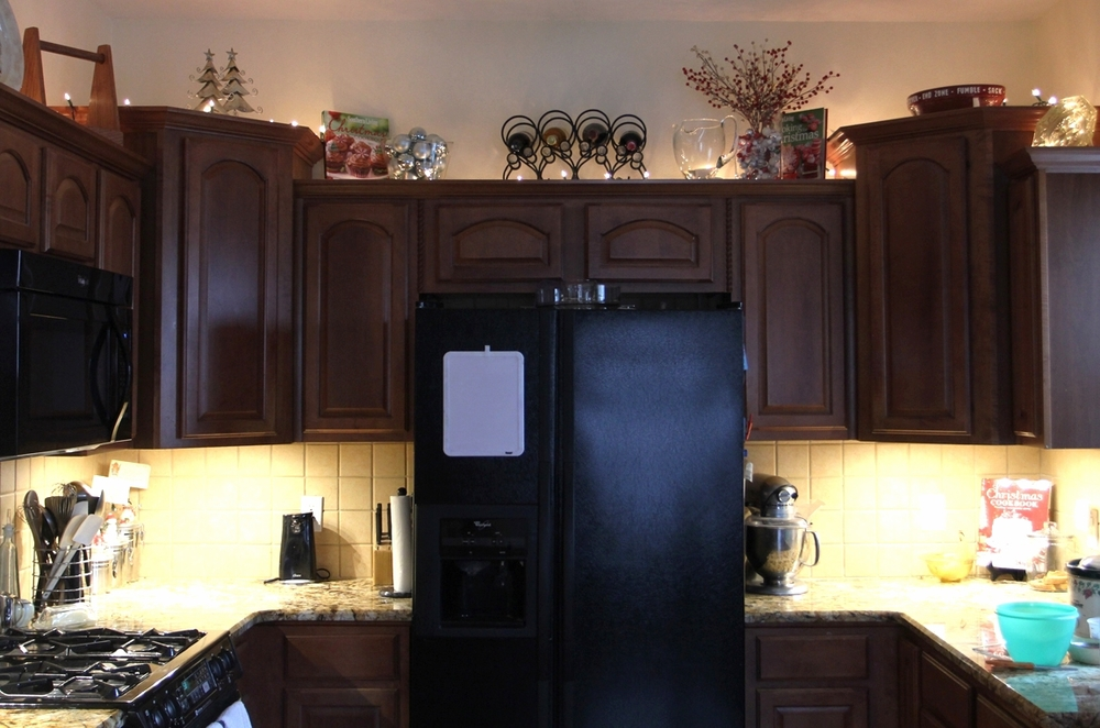 Adding A Little Christmas Lighting To Your Kitchen Beckwith S Treasures