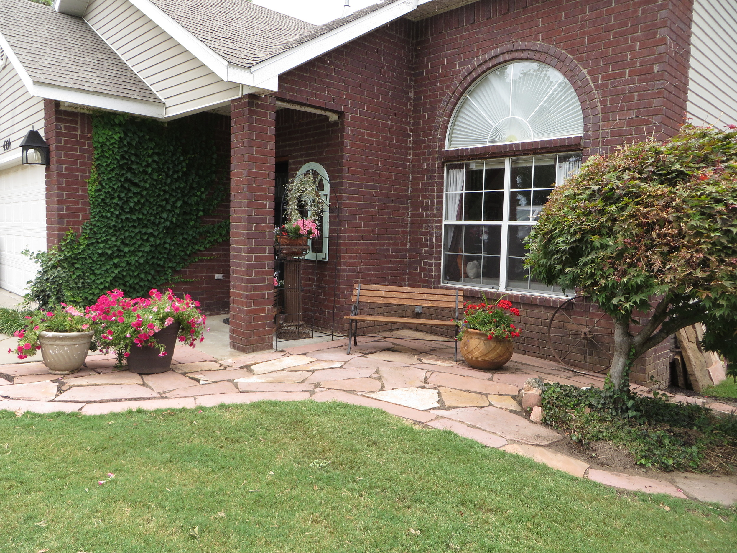 I featured the flagstone project    here!