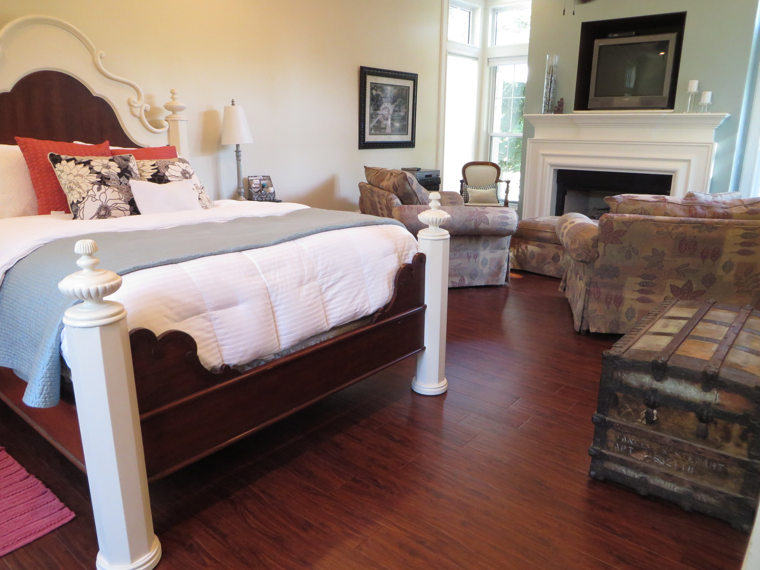 Master Bedroom Laminate Flooring Reveal.... — Beckwith