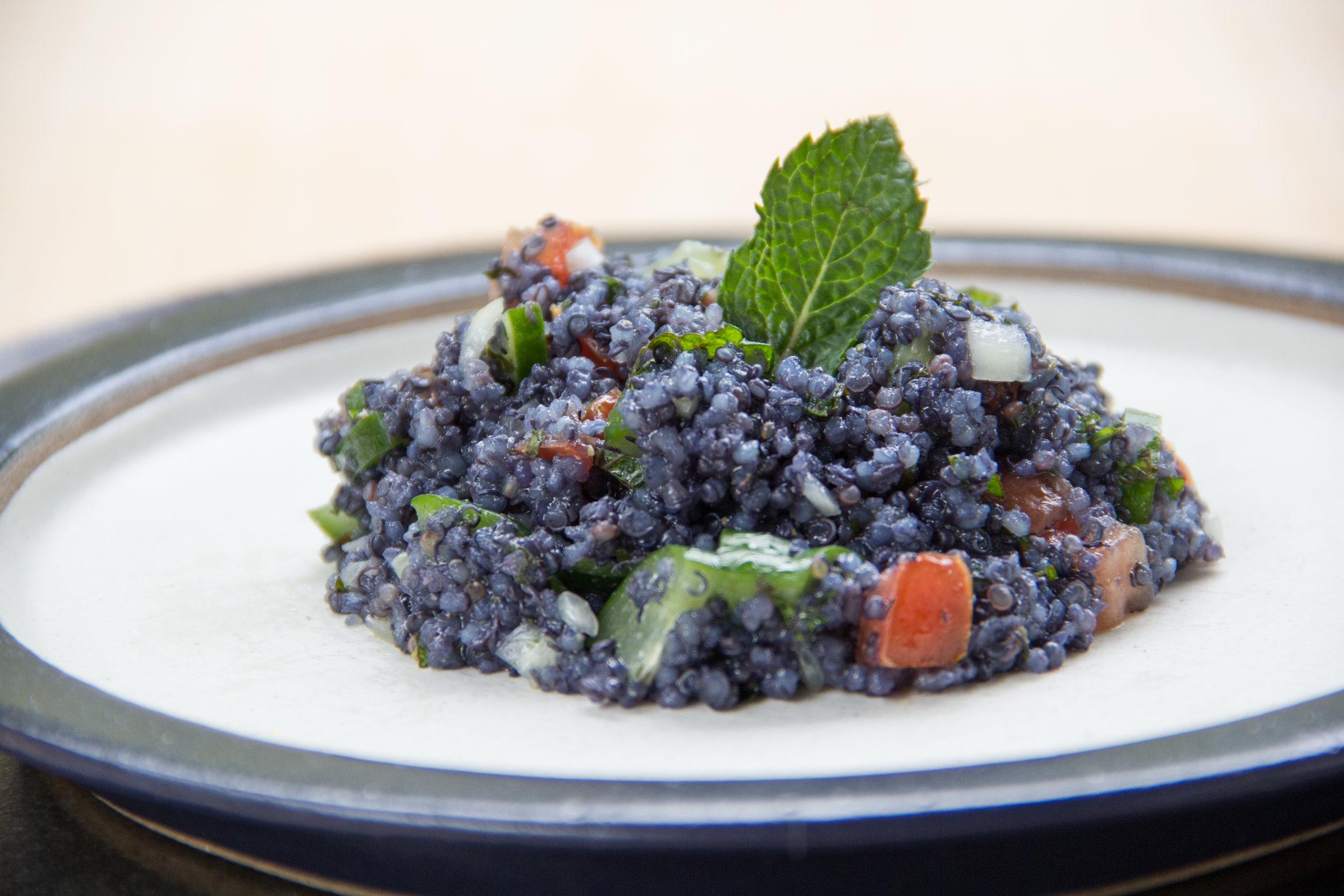 Tabule de Quinoa Azul Com Jenipapo Verde.jpg