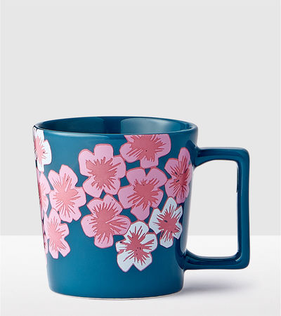11066787_cb_flowers_navy_mug_14_us_GR.jpg