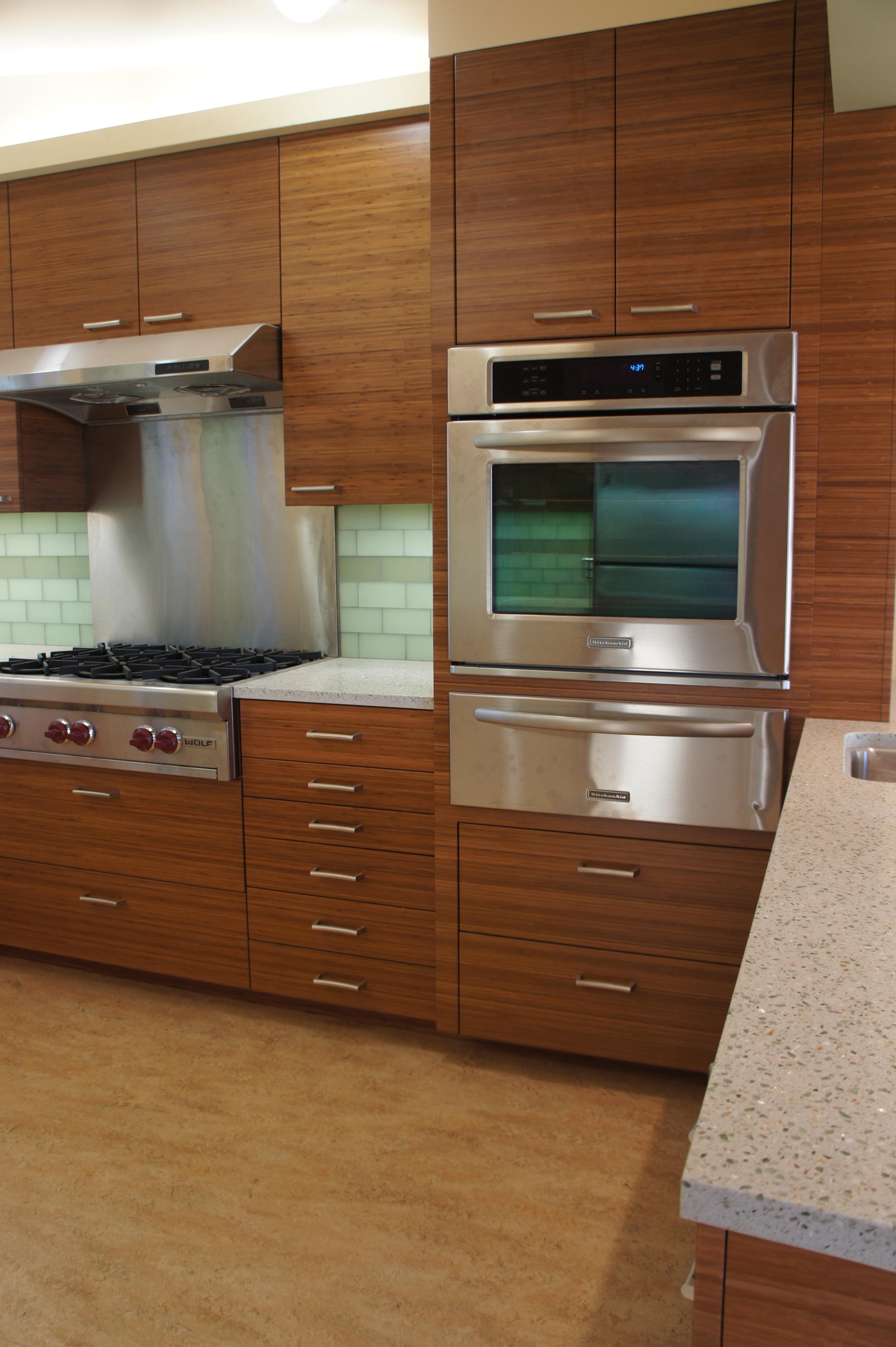 range & oven.JPG