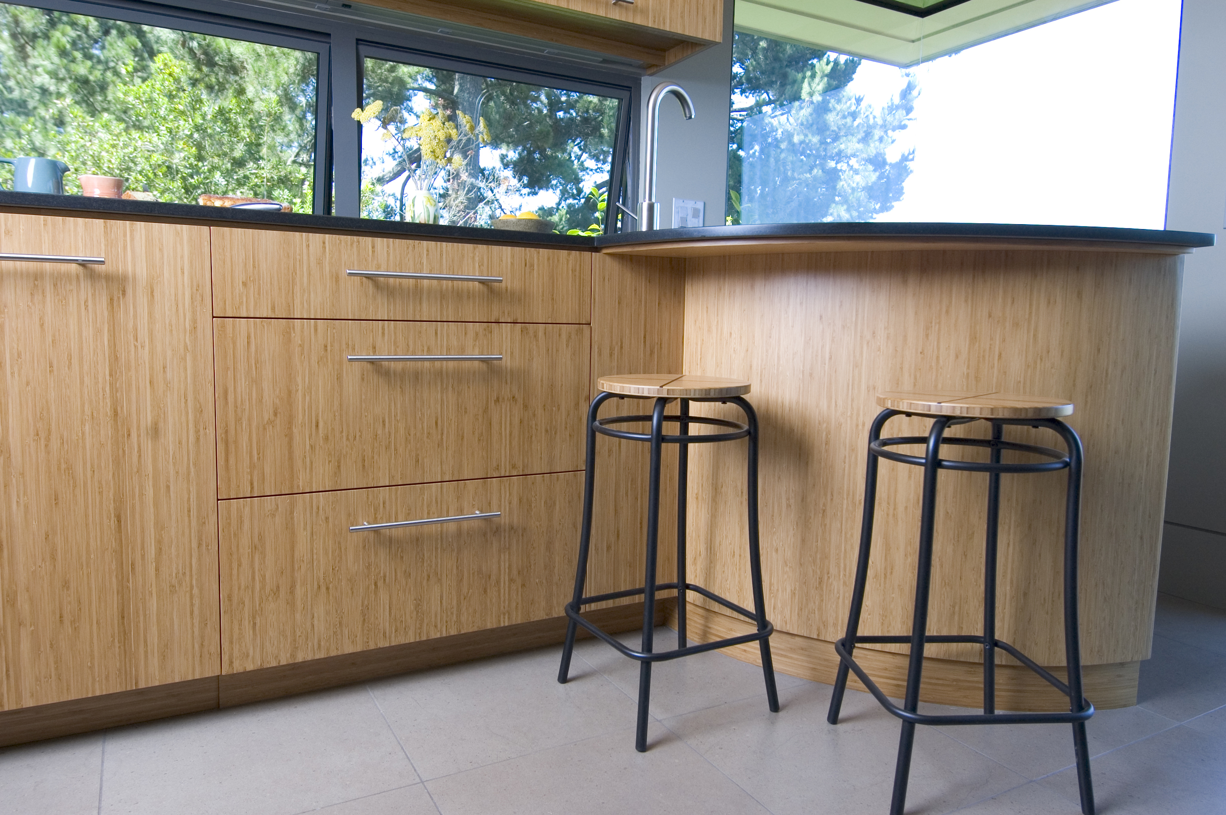 kitchen bar w: stools.jpg