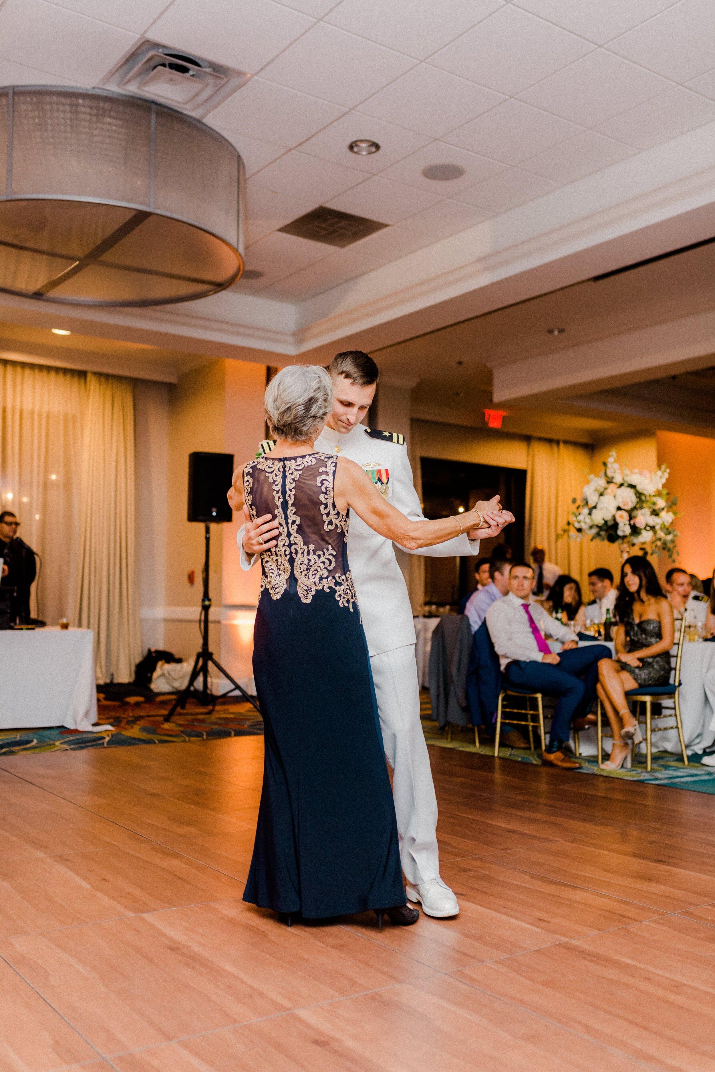 annapolis-wedding-photographer-hotel-annapolis-hannah-lane-photography-1601.jpg