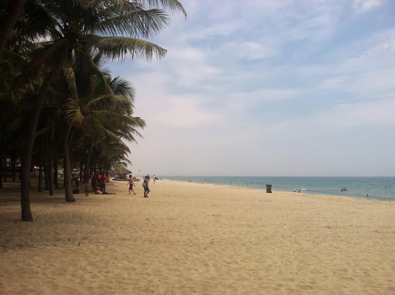 hoi an beach.JPG