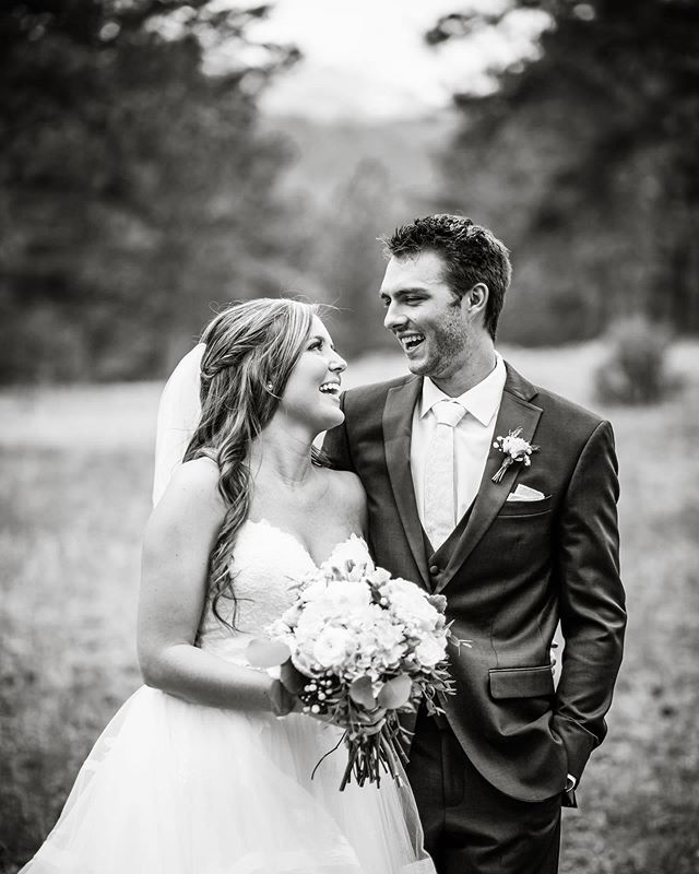 Throwing it back this morning to Ryan and Courtney's Wedding @dellaterramountainchateau ! I love this frame of them not too long after their first look. Their excitement was contagious! Flowers by @palmerflowersloveland 💛. . . . . . #estesparkwedding #estesparkweddingphotographer #rmnpwedding #brideandgroom #blackandwhite #dellaterramountainchateau #romantic #coloradowedding #coloradoweddingphotographer #coloradomountainwedding