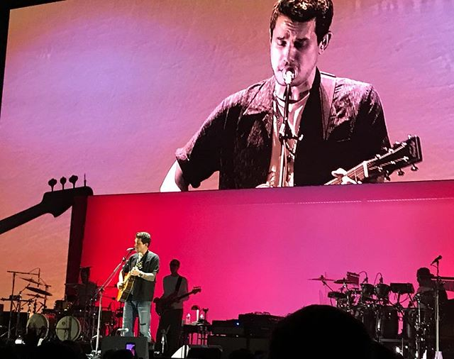 I had such a blast at the @johnmayer concert earlier this week. Thank you @whordeen for the 8th row tickets!