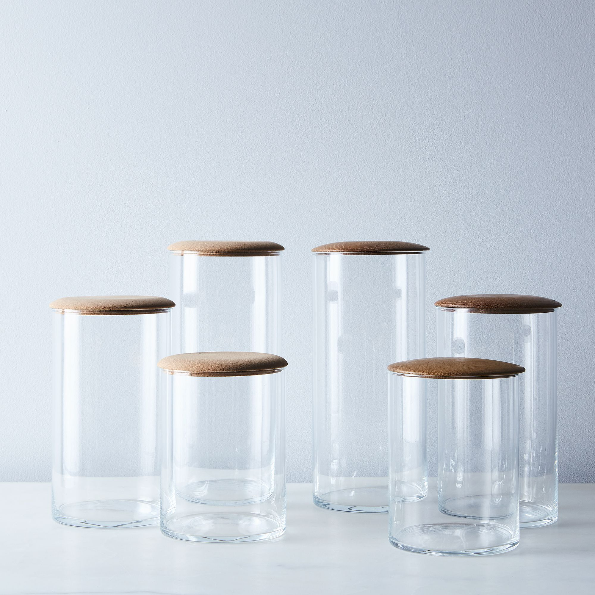 10cf4aba-442d-4c40-a60f-0ad76ea77a40--2016-1216_hawkins-new-york_glass-and-cork-simple-storage-containers_family_silo_rocky-luten_192.jpg