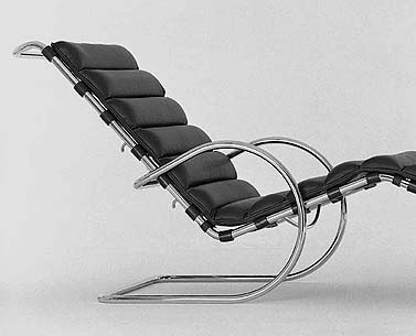 MI17:  1927-32  |                                      Ludwig Mies Van Der Rohe                                       Longue chair with frame in chrome plated tubular steel. Suspension in reinforced hide straps. Seat in expanded foam covered with leather.