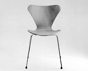 JA04: 1955  |                                      Arne Jacobsen       Stackable side chair with seat and back in continuous moulded beech plywood available in a variety of finishes. Leg structure in chrome-plated tubular steel.