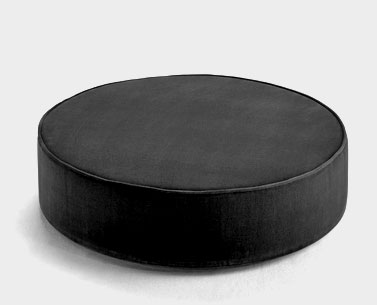SA46: 1958  |                                      Eero Saarinen                                       Pouf with wooden base and self-supporting expanded foam. Not removable covering in fabric or leather.