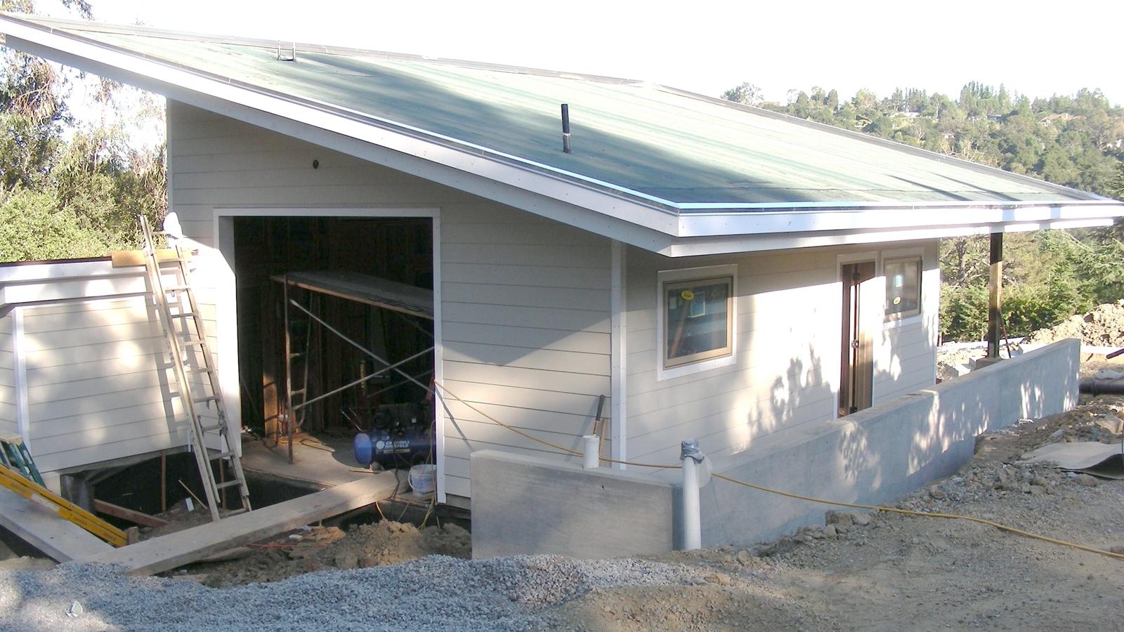 8. Aug 28, 2008: Preparing the driveway