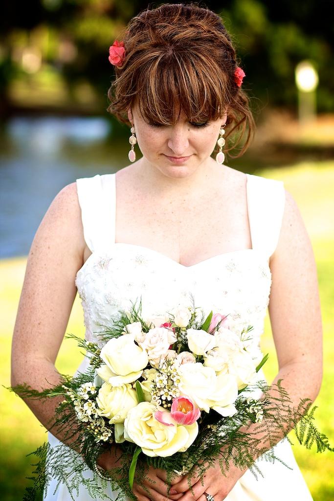 Bride & bouquet