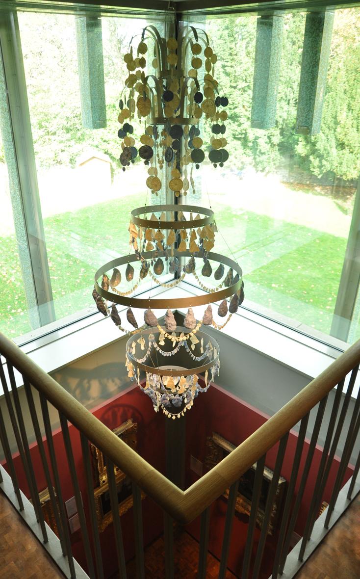 Elise Menghini chandelier Holburne.jpg