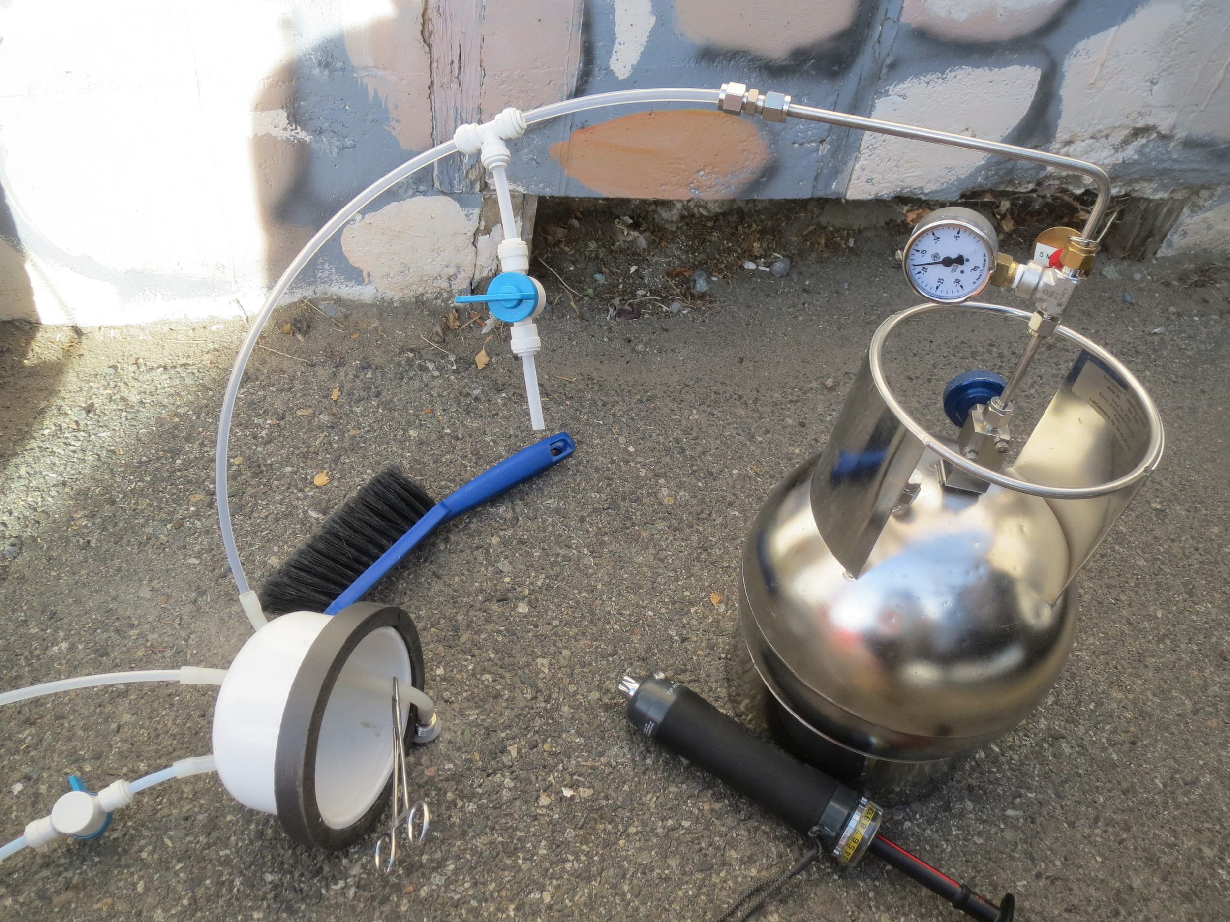 "Leak Test- Performing a ""shut-in-test"" to verify sampling equipment integrity."