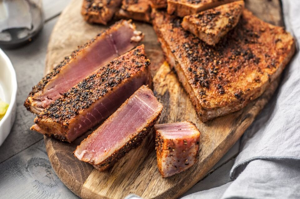 spice-rubbed-seared-tuna-steaks-balsamic-101974-Final-5ba013a9c9e77c0050f3042f.jpg