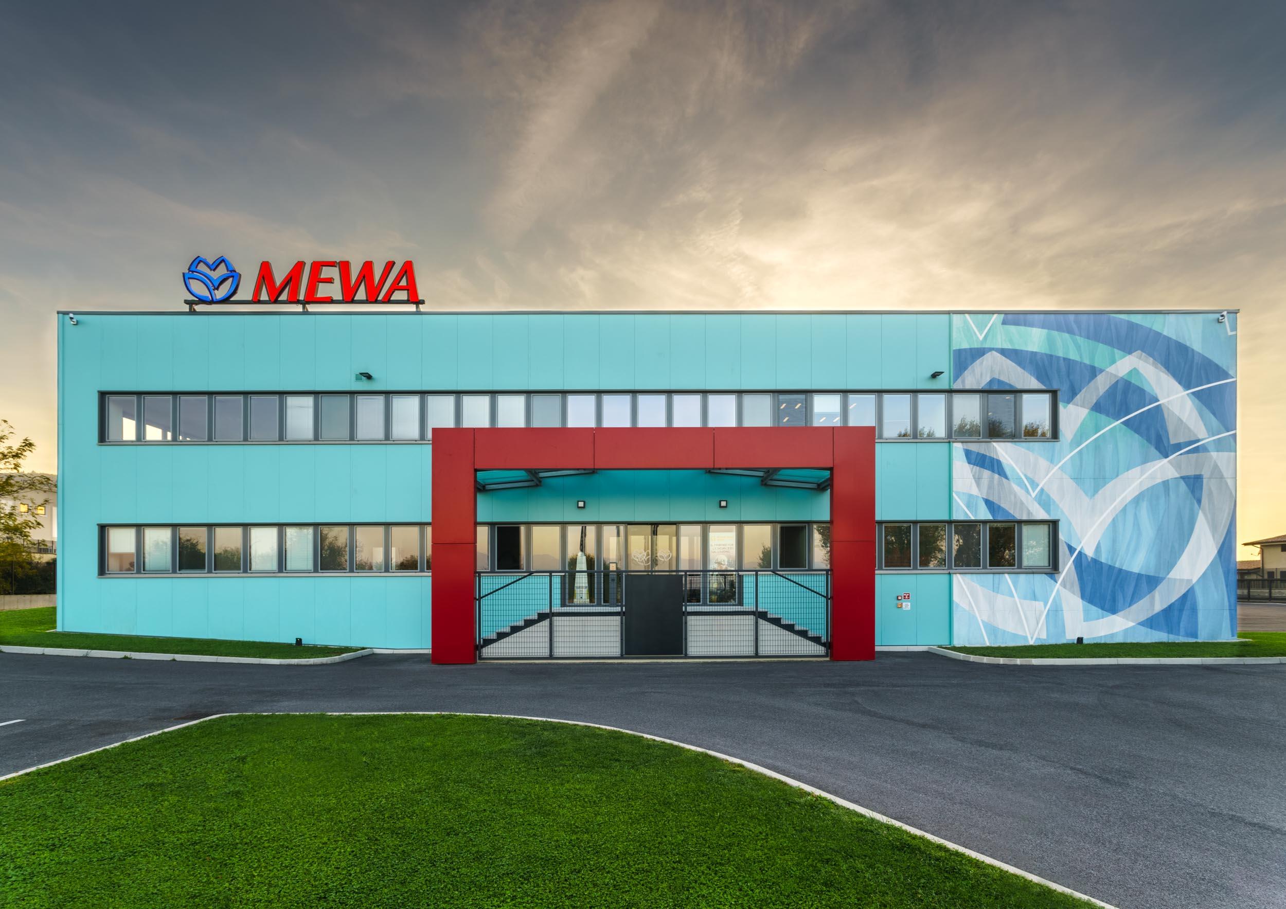 001-Mewa_GAB0640-HDRM-Gabriele Lungarella.jpg