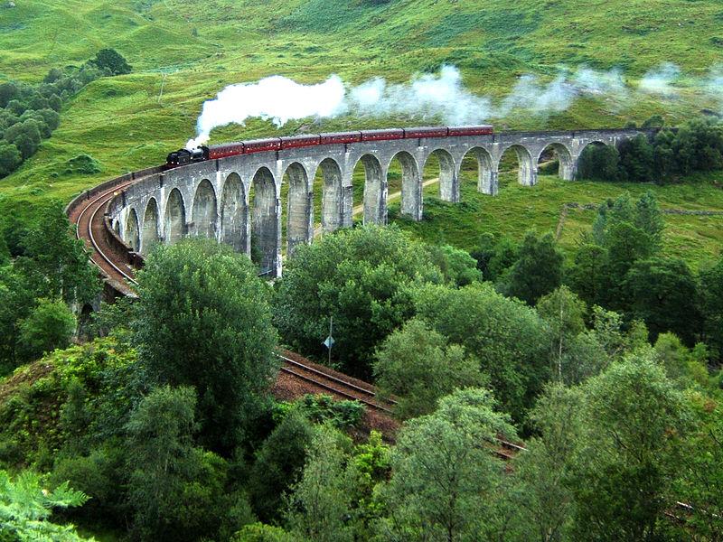 800px-Glenfinnan_Viaduct
