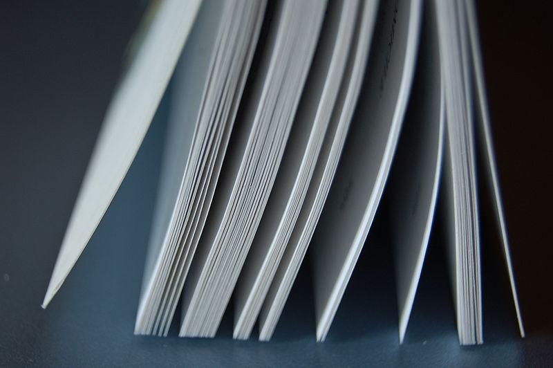 800px-Livre_Ouvert_2