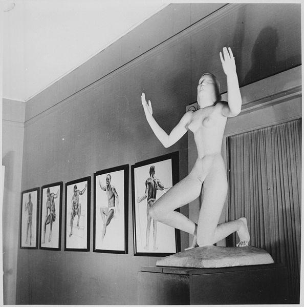 594px-Howard_University,_student_art_exhibit-sculpture_-_NARA_-_559217.jpg