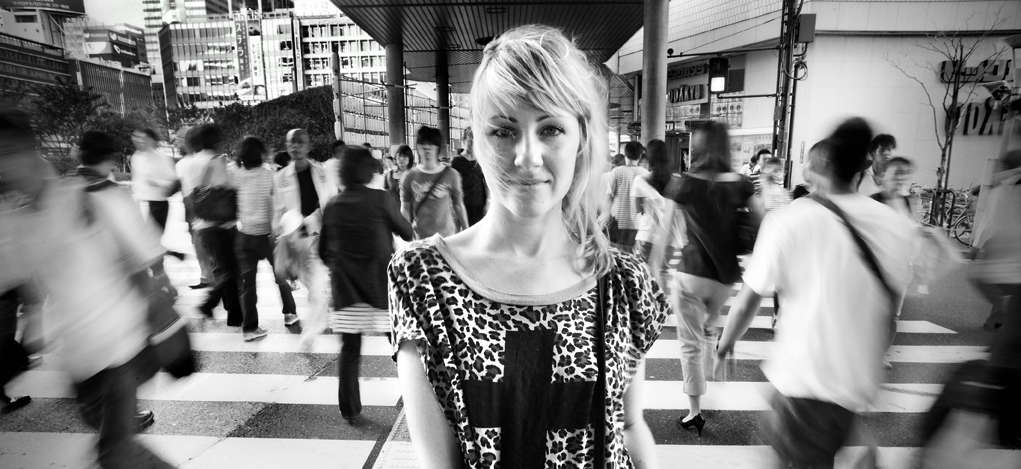 Maggie_Benson_portrait_crosswalk_shinjuku_japan_KJC6772_2.jpg